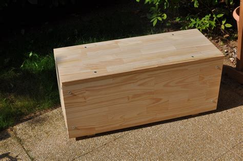 construire un bureau en bois construire un coffre en bois bateau maison avion