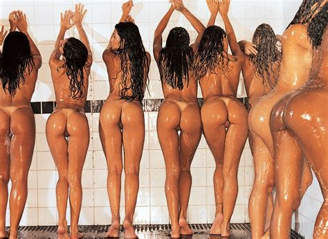 Shower Time Group Of Nude Girls Sorted By Position