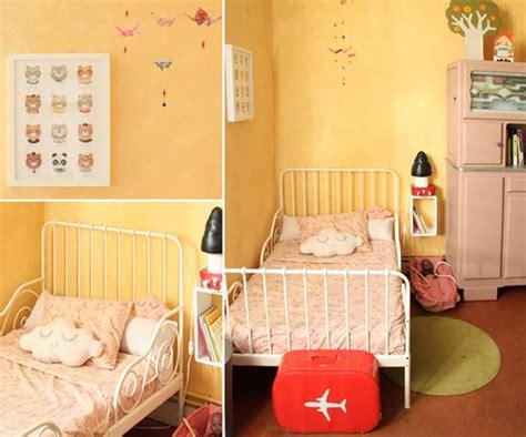 couleur chaude pour une chambre une chambre de fille aux couleurs lumineuses