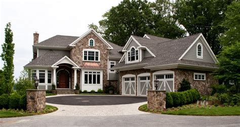 Traditional Contemporary Style Homehouse  Traditional