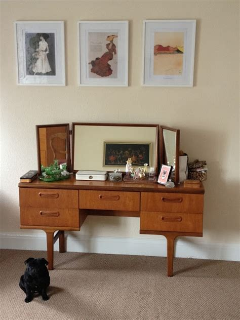 elegant mid century dressing tables  vanities digsdigs