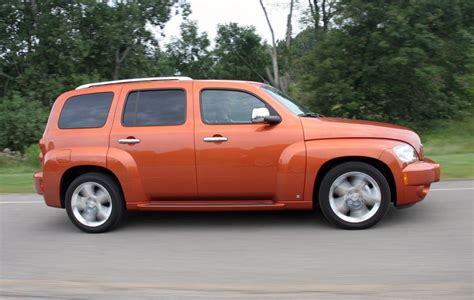 Chrysler Chevy by 2006 Chevrolet Hhr Vs 2006 Chrysler Pt Cruiser Review