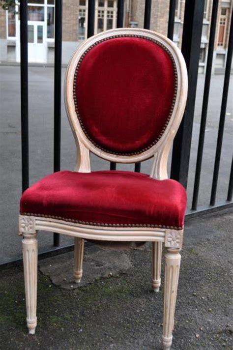 lot de chaises d occasion lot de 2 chaises médaillon chaise d 39 occasion aux