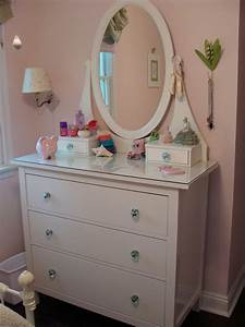 Interior Fair Image Of Girl Bedroom Decoration Using Oval