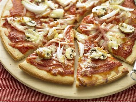 cuisine italienne pizza recette pâte à pizza italienne astuces garnitures curiosités