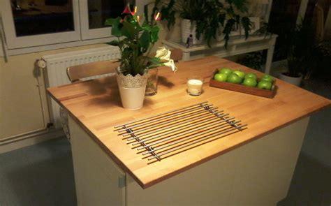 plan de travail cuisine hetre ilot de cuisine avec plan de travail en hêtre le du