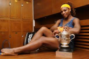 serena williams poses  french open trophy   gotceleb