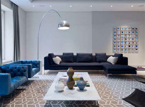 canapé wilson interiors 12 superbes idées déco avec un canapé bleu dans le salon