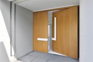 Porte D Entrée En Bois Moderne : porte d 39 entr e moderne pour habiller la grande hauteur sous plafond ~ Nature-et-papiers.com Idées de Décoration