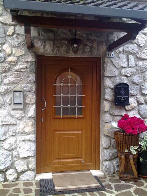 portone d ingresso in legno portone ingresso legno vetro real project