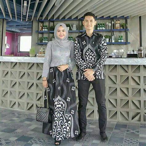 Ya, batik gamis couple memang sedang di gandrungi saat ini karena bersifat fleksibel dan dapat dikenakan untuk berbagai keperluan, baik sebagai busana muslimah maupun untuk acara pesta. 30+ Ide Baju Couple Untuk Tunangan - JM | Jewelry and Accessories