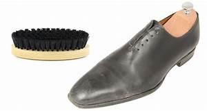 Cirer Des Chaussures : cirer ses chaussures en cuir monsieur chaussure ~ Dode.kayakingforconservation.com Idées de Décoration