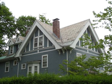 Gable Roof : Top 15 Roof Types & Their Pros & Cons