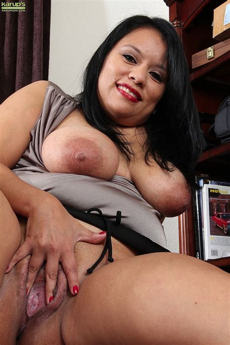 Lucey Perez Drag Out Her Knockers Milf Fox