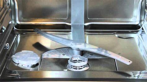 comment nettoyer l interieur d un lave vaisselle nettoyer les bras gicleurs du lave vaisselle