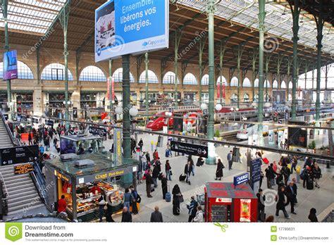 het station van parijs gare du nord redactionele foto