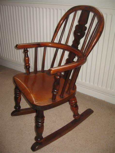 antique child yew wood rocking chair 255434 sellingantiques co uk