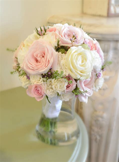 fawsley hall wedding flowers and cake ch 233 rie kelly