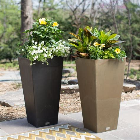 Square Outdoor Planters by Best 25 Square Planters Ideas On Large Garden