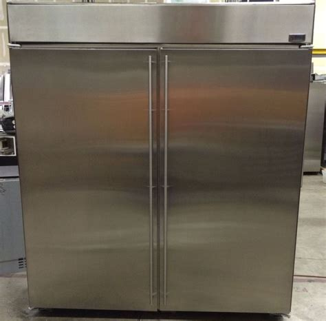 ge monogram   stainless steel side  side refrigerator freezer mfd  gemonogram