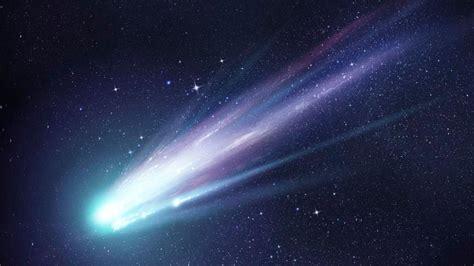 meteor captures light nz space spectacular farmer newshub manawatu attention display comet asteroid