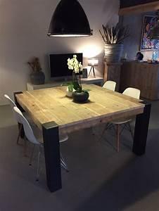 1000 idees a propos de chaises en metal sur pinterest for Deco cuisine avec salle a manger table carree