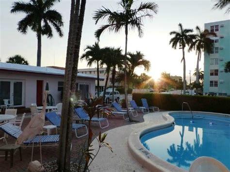 der pool am morgen picture of birch patio motel fort
