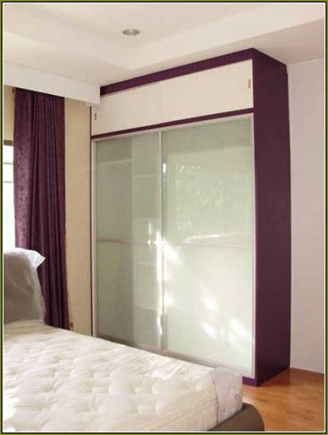 mirrored bifold closet doors home design ideas