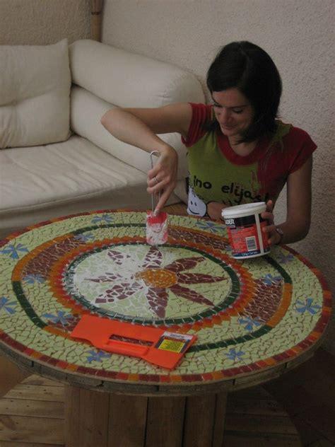 comment fabriquer une table de jardin en mosaique