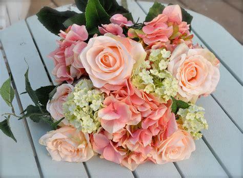 brides wedding bouquets  hydrangeas coral salmon
