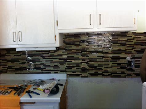Lovely Grouting Tile Backsplash In Kitchen Gl Kitchen Design