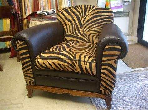 refaire canapé cuir restauration de fauteuil canapé cuir tapissier