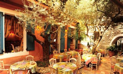 soleil dans la cuisine restaurant le sud 17 ème français
