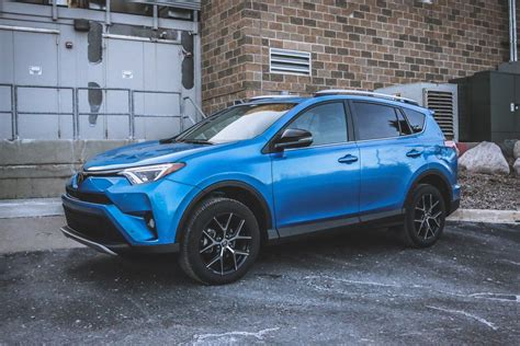 2016 Toyota Rav4 Features Improved Looks, Sportier Se