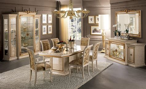 sale da pranzo eleganti sala da pranzo classica di lusso con tavolo sedie e
