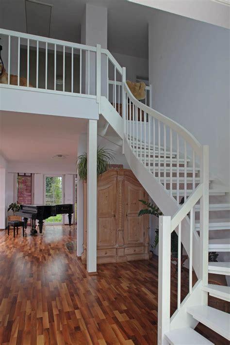 Treppengeländer Innen Holz Weiß die besten 25 treppengel 228 nder innen ideen auf