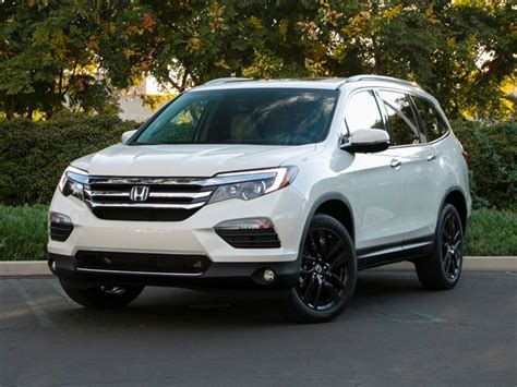 bester suv 2017 kelley blue book best buys of 2017 midsize suv
