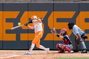 Softball looks to continue hot streak | Sports ...