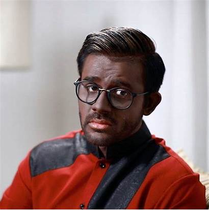 Brown Too Actor Wearing Lankan Sri Saranga