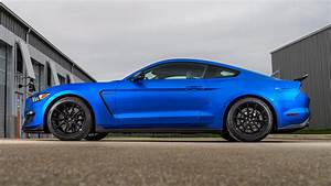 2019 Ford Mustang Shelby GT350 First Drive: Even More Kick Ass | Automobile Magazine