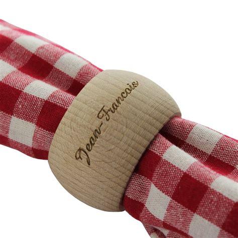 rond de serviette en bois pr 233 nom une id 233 e de cadeau original amikado