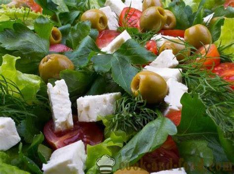 70 receptes Vienkārši un garšīgi salāti ar fotogrāfijām