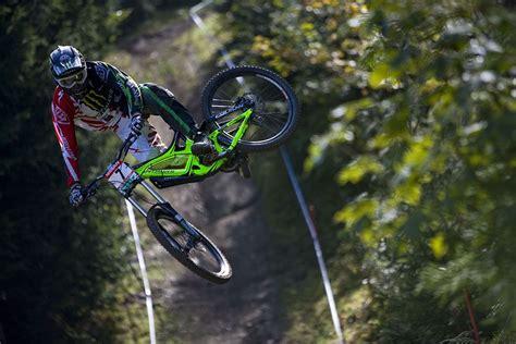 Yoshida!!! #mountainbike #bike #mtb #dmtb #whip #gnarly # ...