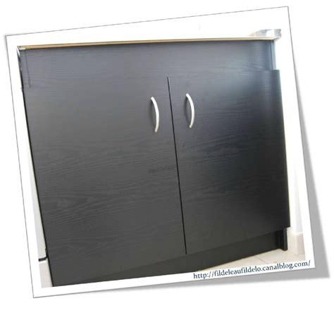 revetement pour meuble de cuisine revetement adhesif meuble pas cher