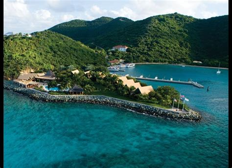Island Resorts The World S Dreamiest Private Island Resorts Huffpost