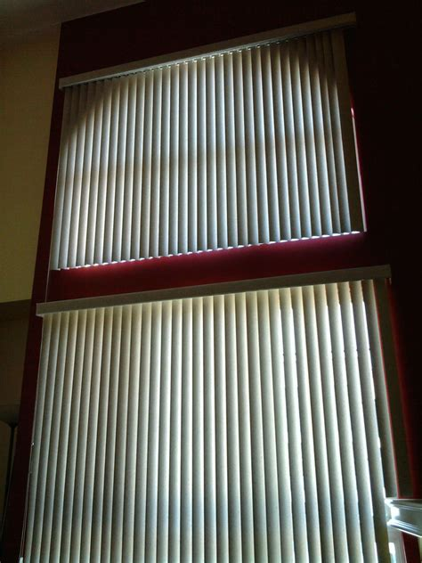 Vertical Window Blinds by Vertical Blinds On And Lower Windows Window Blinds