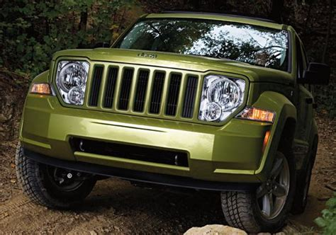 jeep liberty traction maneuverability ground clearance