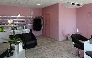 Décoration Intérieure Salon : decoration salon de coiffure photo ~ Teatrodelosmanantiales.com Idées de Décoration
