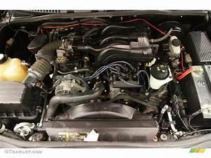 2004 Ford Explorer Xlt 4x4 4 0 Liter Sohc 12