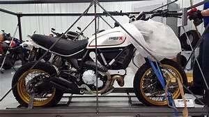Ducati Scrambler 800 : first 2017 ducati scrambler 800 desert sled frontline eurosports youtube ~ Medecine-chirurgie-esthetiques.com Avis de Voitures